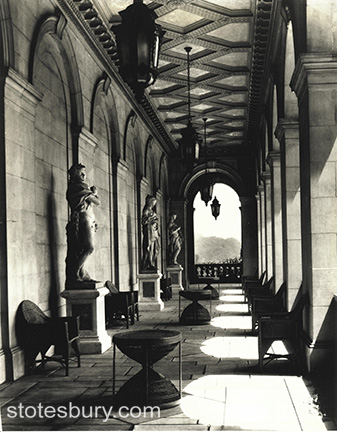 The Arcade with the Pajou statues